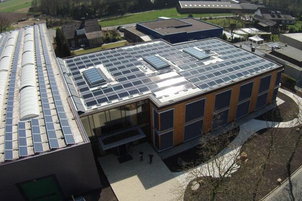 Energieneutraal kantoor met behulp van zonnepanelen