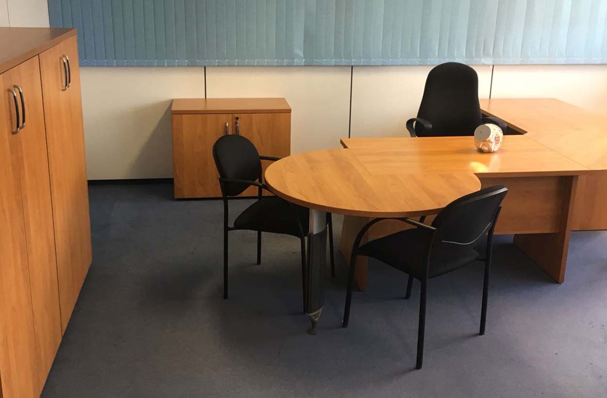 Ga efficiënt om met een kleine ruimte voor werkplekken