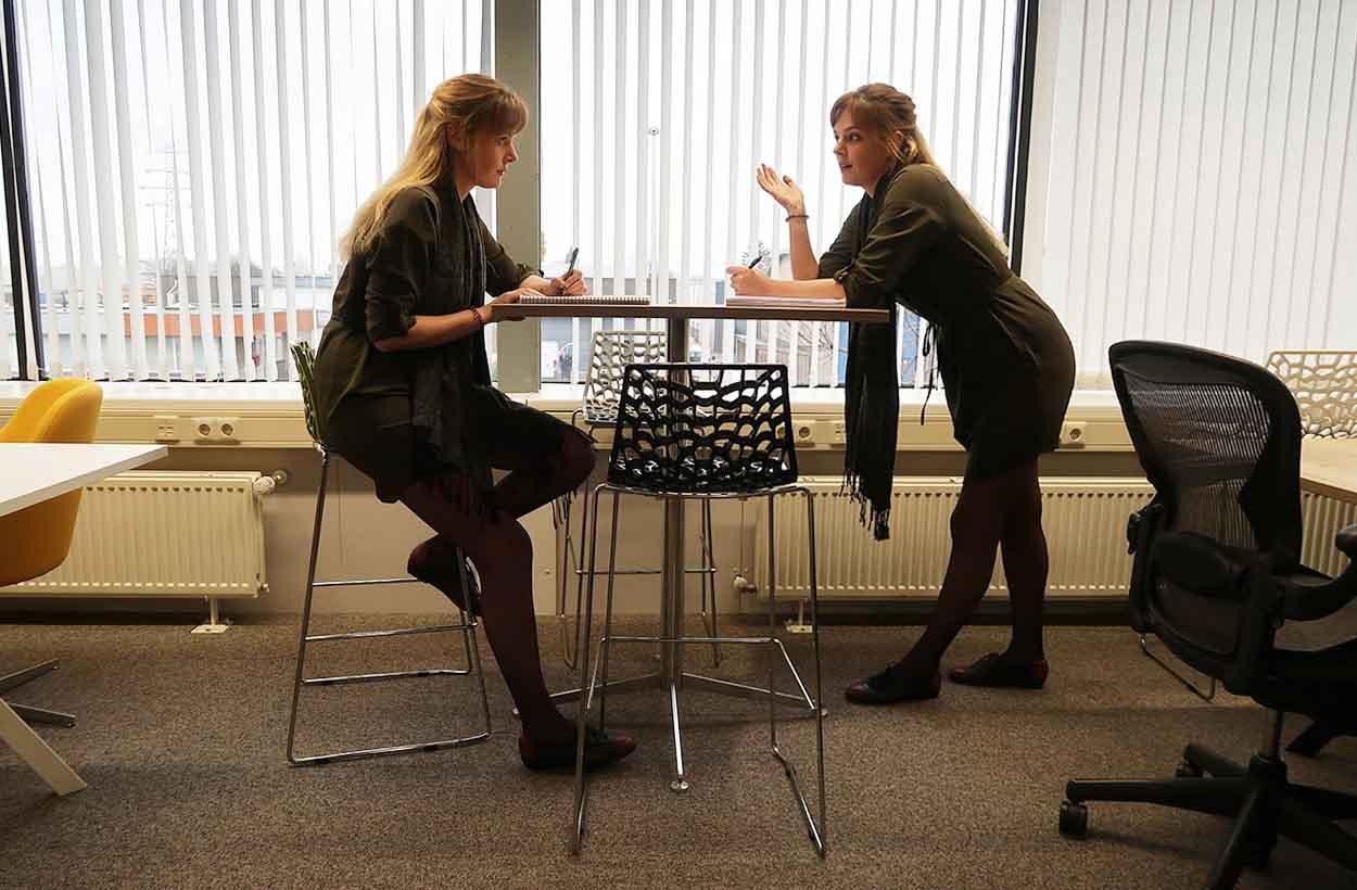 Staand vergaderen of zittend vergaderen?