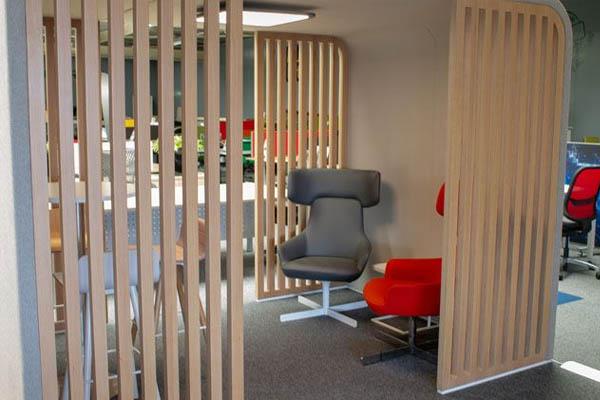 Tweedehands kantoormeubilair design