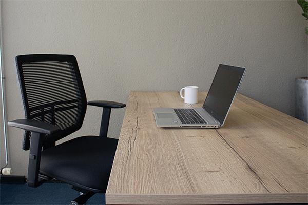 Kies de juiste afmeting en vorm van het bureaublad