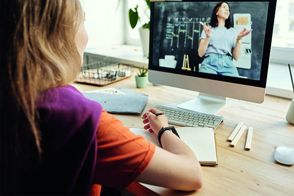 Investeer in e-learning platforms zodat uw werknemers nieuwe vaardigheden kunnen leren en bestaande kunnen bijschaven.