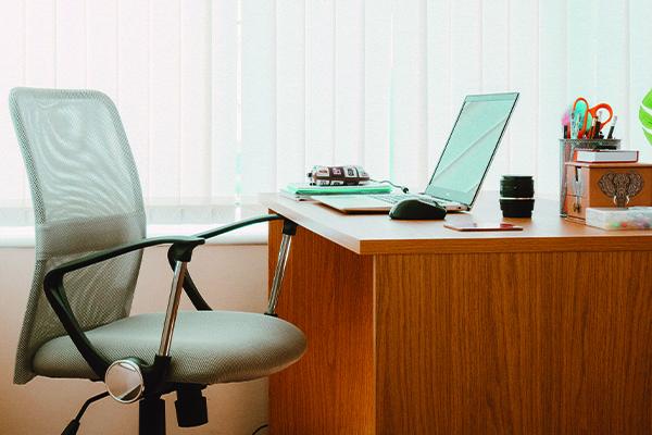 Een goede werkplek is thuis van groot belang voor de werk kwaliteit.